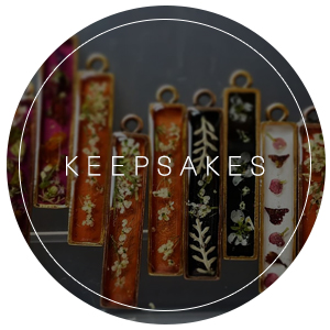 Keepsakes | Vendors & boutiques offering ways to preserve your bouquet, handcrafted artwork commemorating the big day, and more!