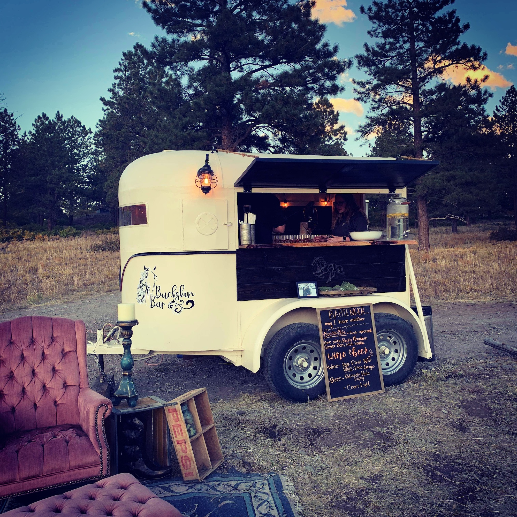 Buckskin Bar | Mobile bar in Grand Junction, Colorado featured on WED West Slope - a directory for wedding vendors.