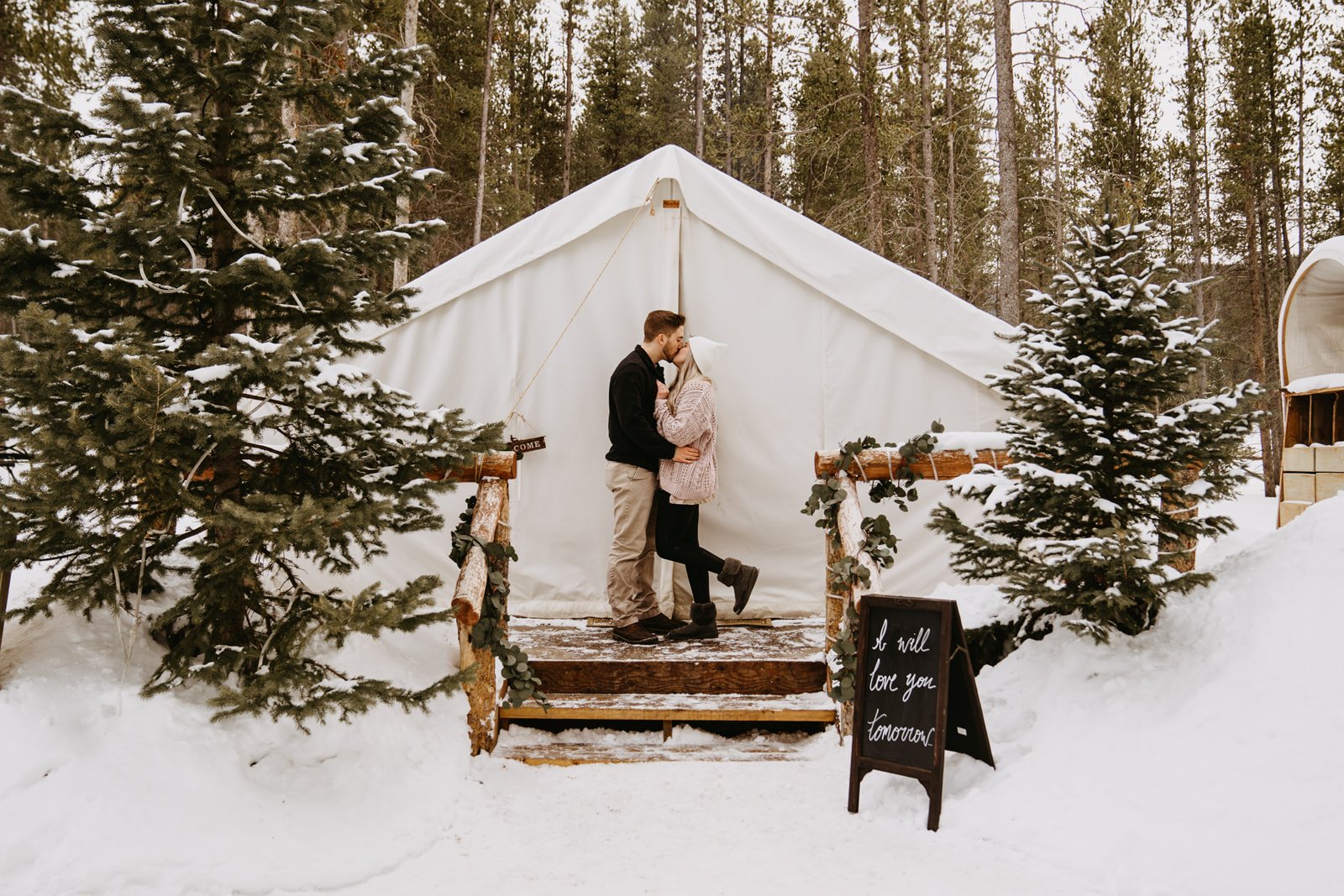 Knotted Proposals & Events   Wedding & Event Planner in Roaring Fork Valley, Colorado featured on WED West Slope - a directory for wedding vendors.